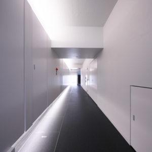 賃貸マンション フルリノベーション事例 1階中廊下