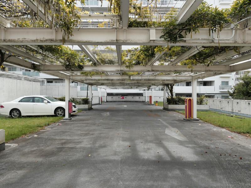 ヌーベル赤羽台1号棟 駐車場 パーゴラ