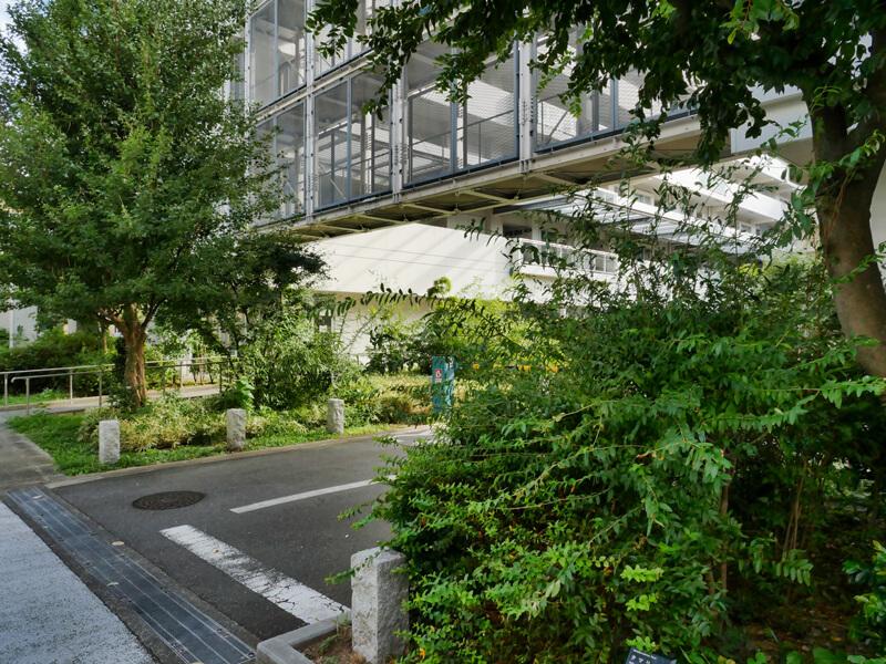 ヌーヴェル赤羽台2号棟 (A街区) 渡り廊下