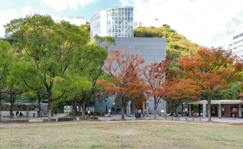 アクロス福岡(アクロスふくおか、ACROS FUKUOKA)